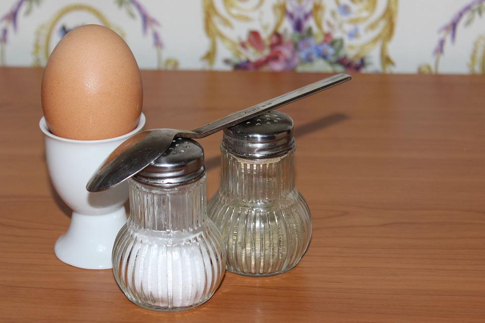 Health risks of a low salt diet