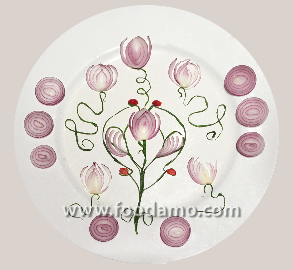 Food art: onion fantasy by Tania Gor
